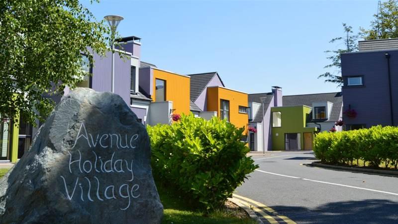 Avenue Holiday Village