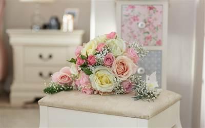 hamlet Court Bouquet