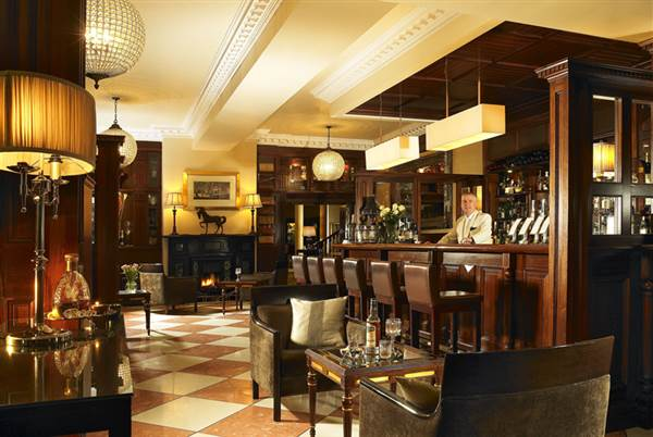 The Manor Bar