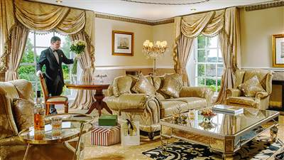 The Master Suite Lounge