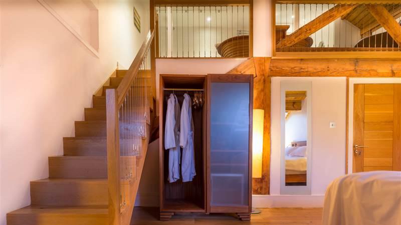 luxury hotel rooms at Hope Street Hotel