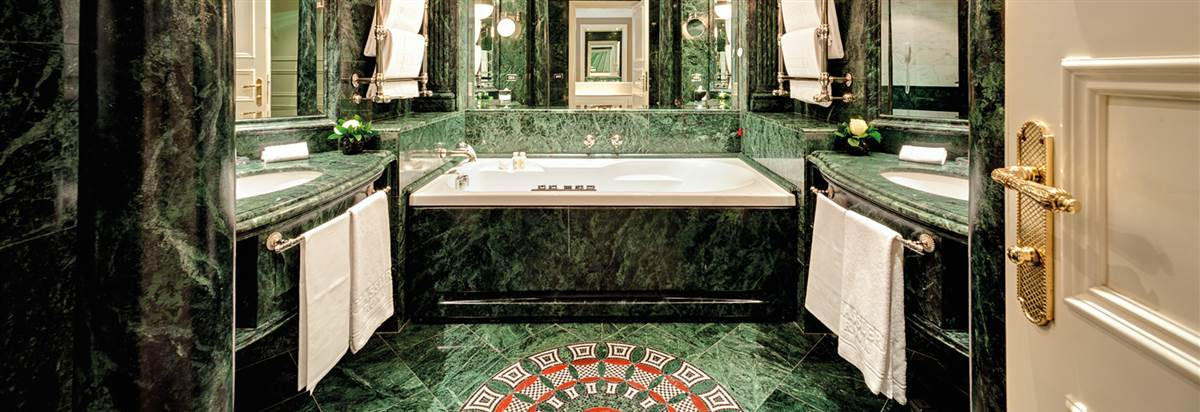 Gran Deluxe Suite Hassler Bathroom Hass