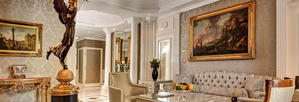 Gran Deluxe Suite Hassler Living room