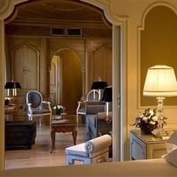 Villa Medici Penthouse Suite