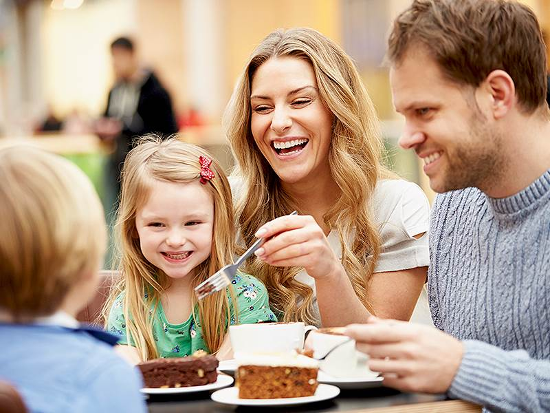 Family Dining at Hotel Woodstock