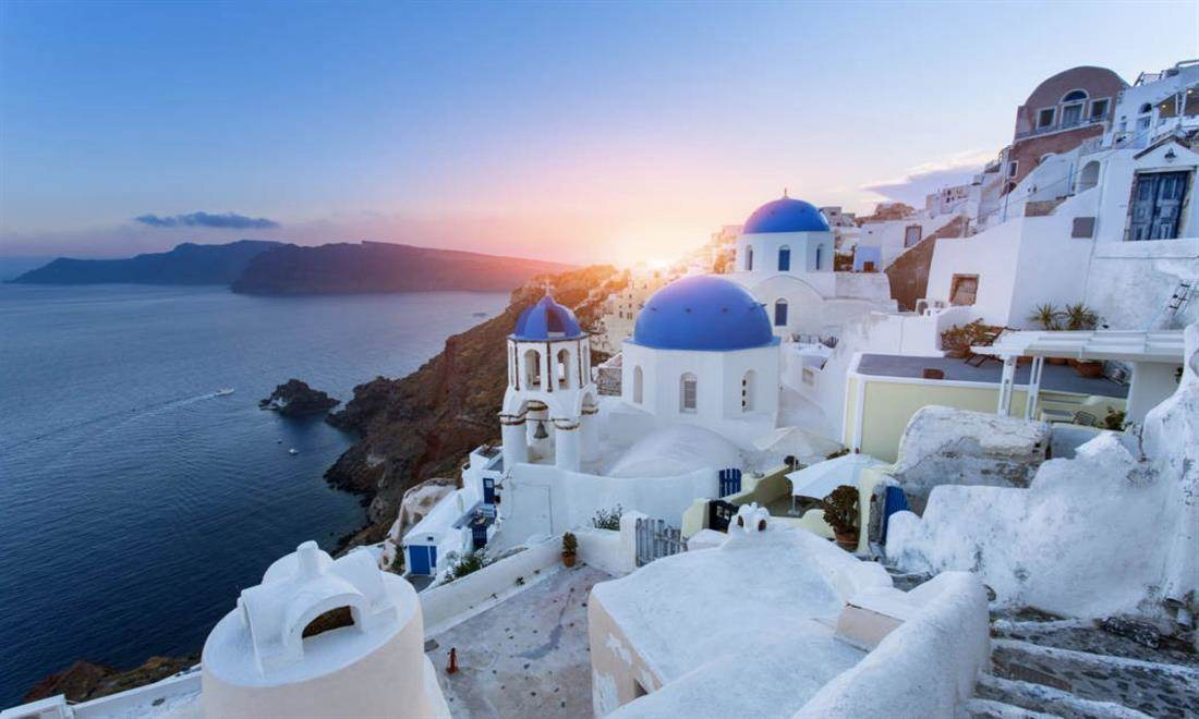 A weekend in Santorini in Canaves Oia Epitome