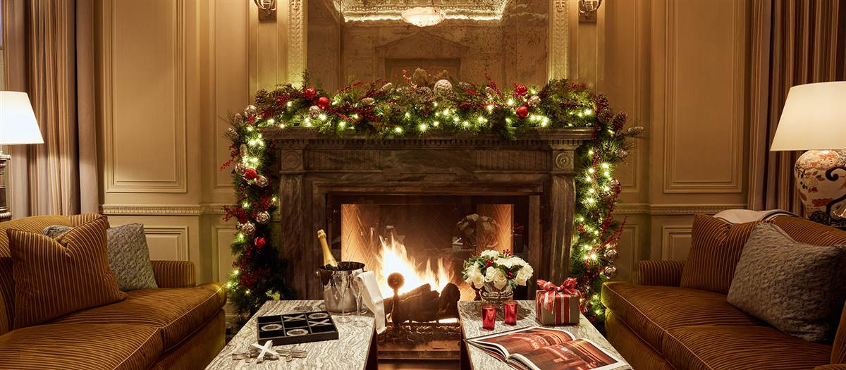 Holiday_ClubRoom_Fireplace_Champagne