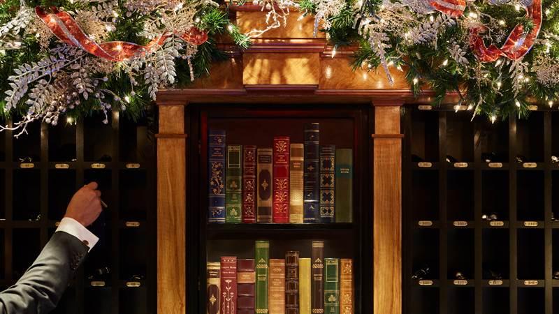 Holiday Front Desk Keys