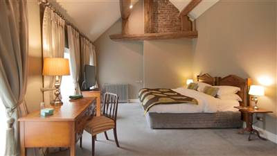 Mini Suite luxury accommodation in Cort at Maryborough