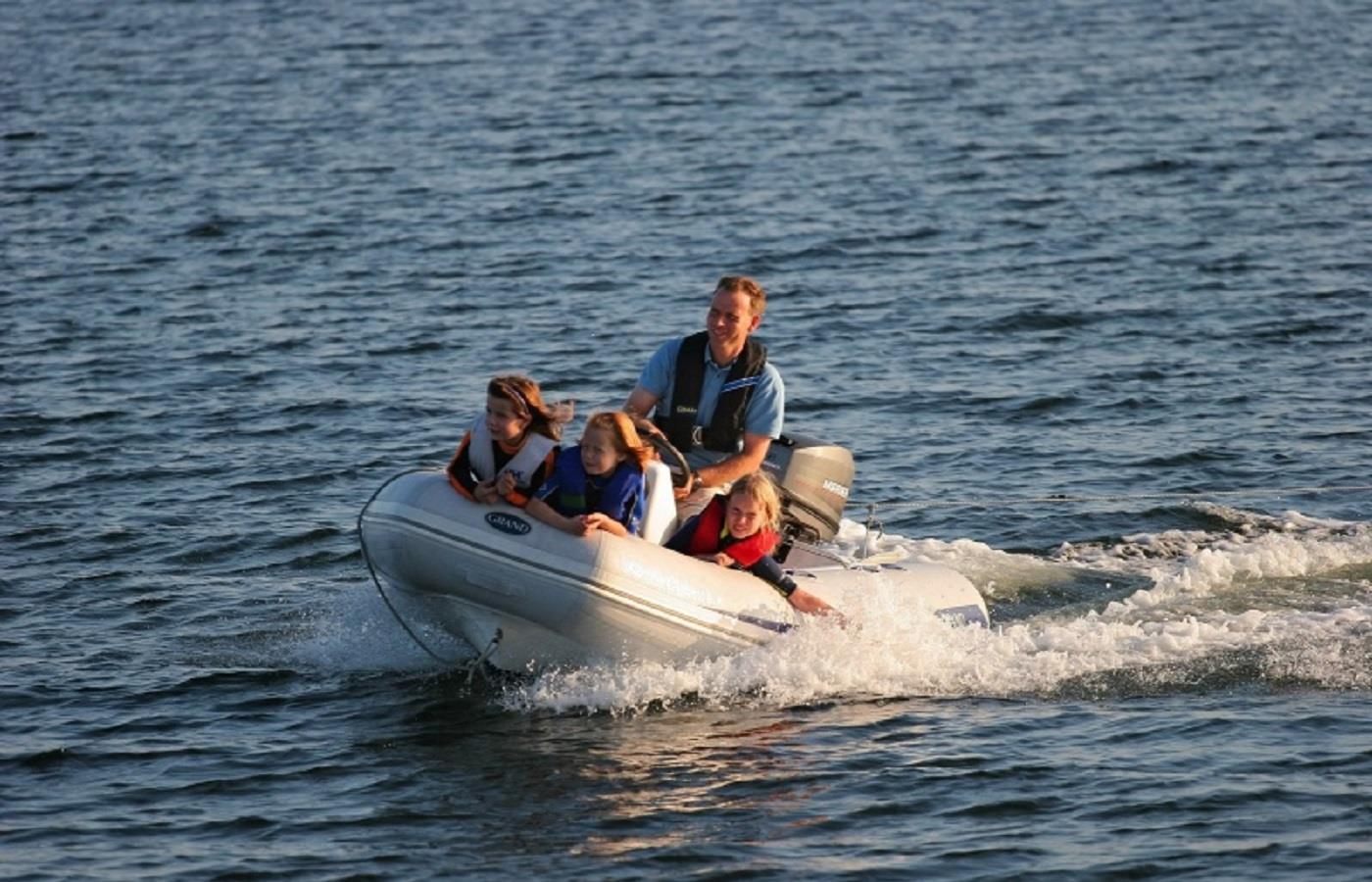 cork harbour boat tours