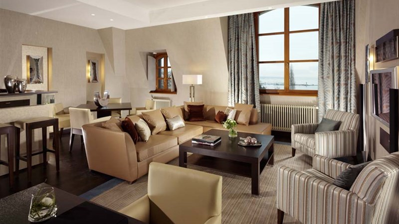 Lake Geneva Suite