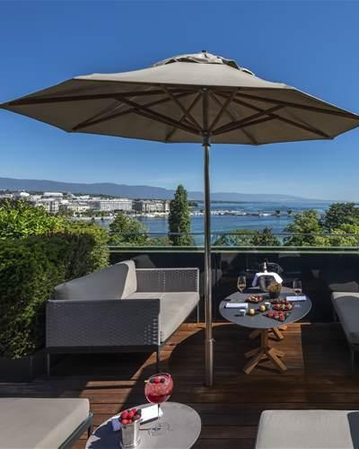 MET Rooftop  restaurants bars