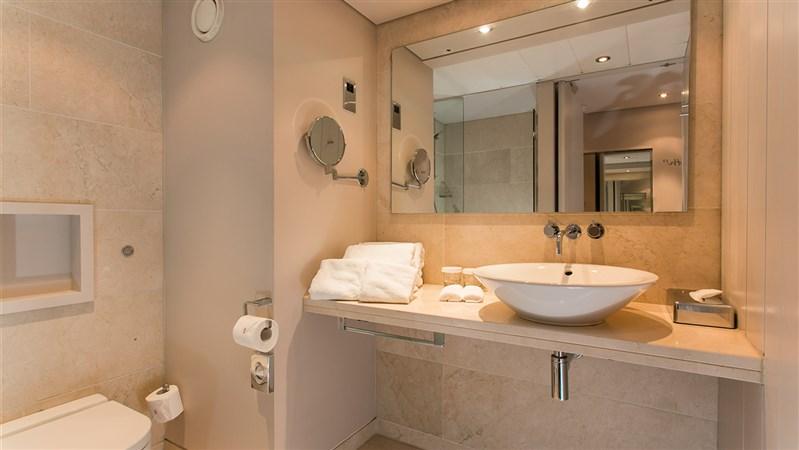 Deluxe room bathroom correct