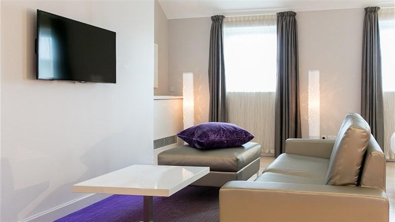 Junior Suite Guestroom Living area  300