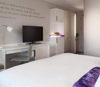 dublin hotel guestroom