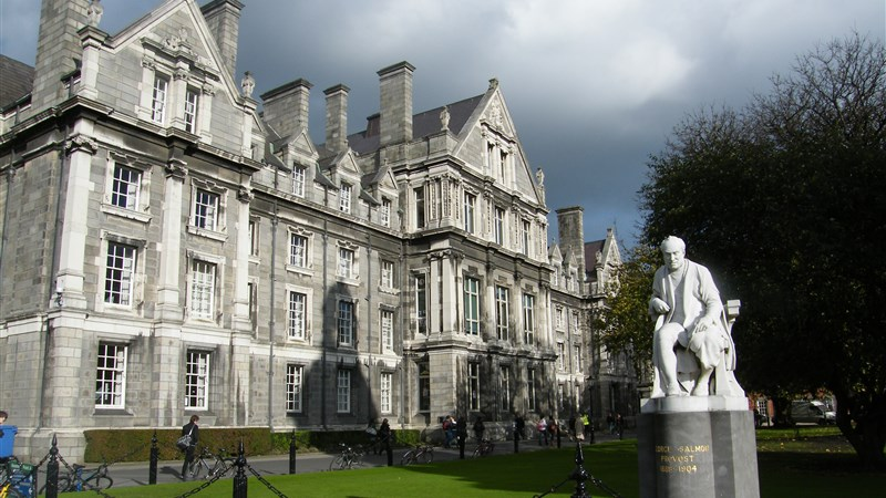 hotels near trinity college