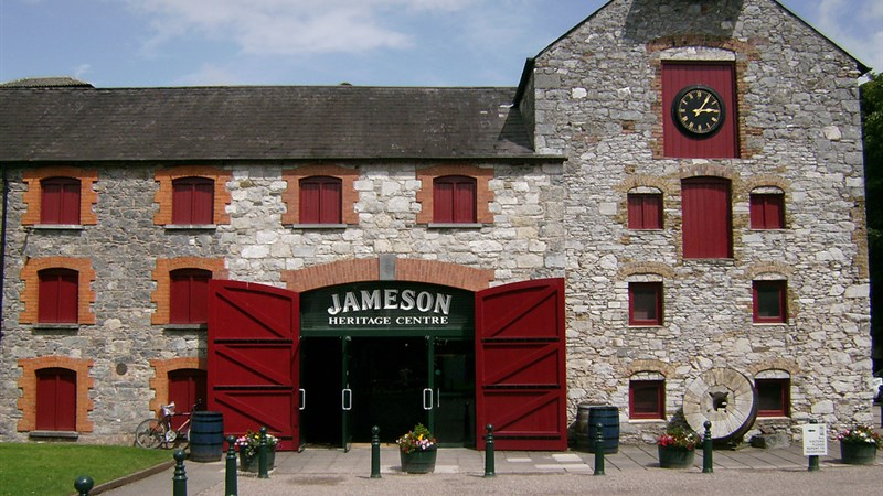 hotels near jameson distillery