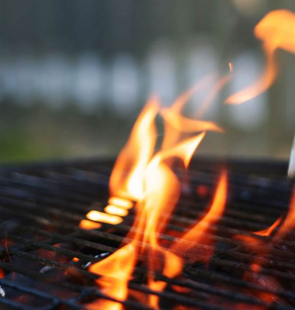 barbeque flame 1322113 1280x1920