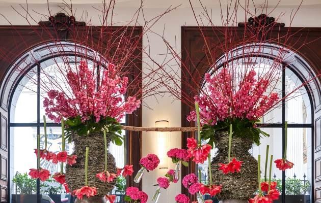 Lobby Bar  Flowers