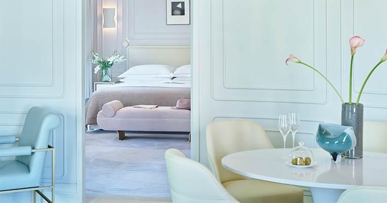 OA Corner Suite bedroom 762X400