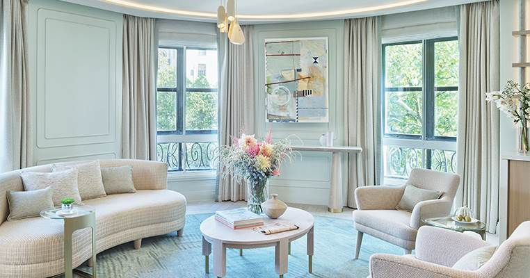 OA Corner Suite living space 762X400