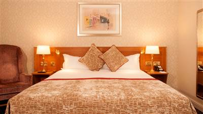 Deluxe Rooms in Eyre Square 𝗙𝗿𝗼𝗺 €𝟭𝟴𝟬 at Park House Hotel