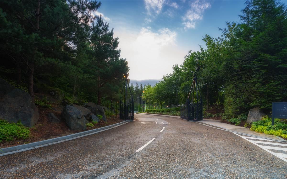 Powerscourt Hotel Gate