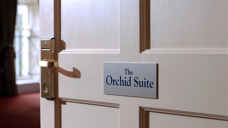 luxury Suite - The Orchid Room