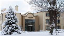 hotel in snow low