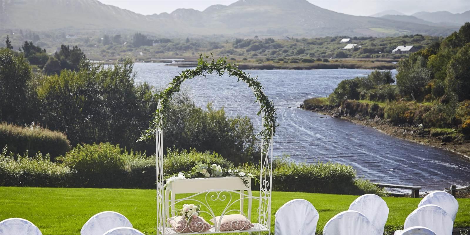 Outdoor Wedding venue in Kerry at Sneem 4 star hotel