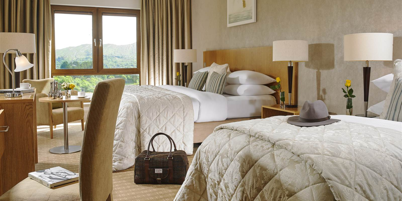 Superior Seaview Room 𝗙𝗿𝗼𝗺 €𝟭𝟮𝟬 𝗽𝗲𝗿 𝗿𝗼𝗼𝗺 and breakfast included. SNEEM 4 STAR HOTEL