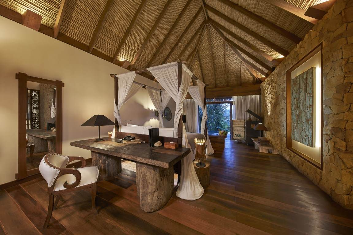 King-size bed in a one bedroom Jungle Villa