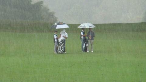 Tips for golfing in the rain