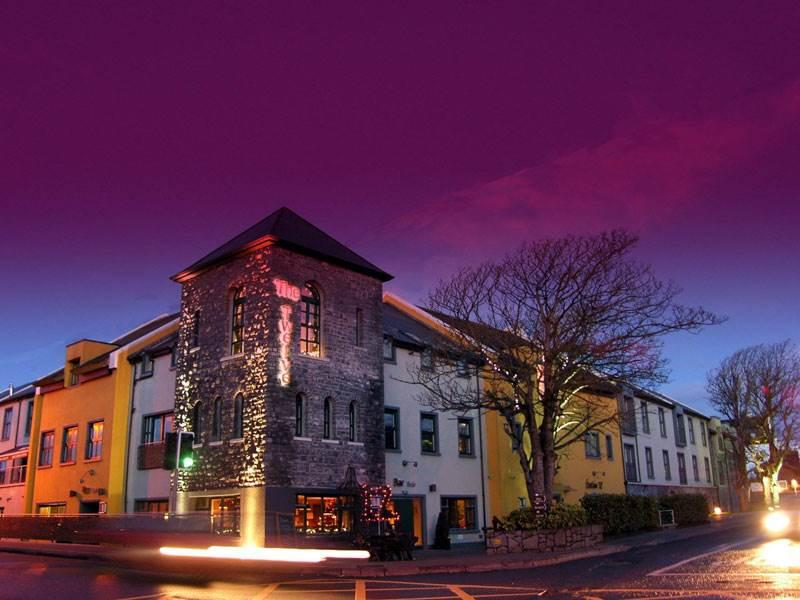 The Twelve Hotel External