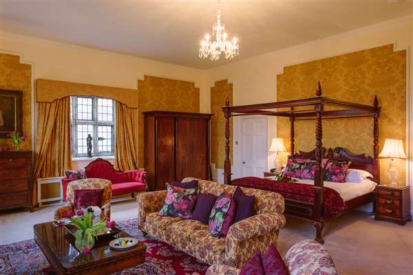 Summer Castle Luxury Escape 2 Nights B&B with Dinner on one evening