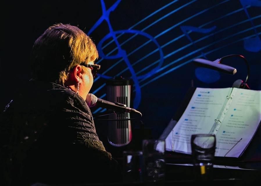 Elite Elton online listing