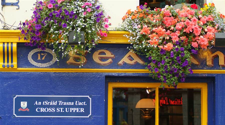 Pub Front on Quay Street