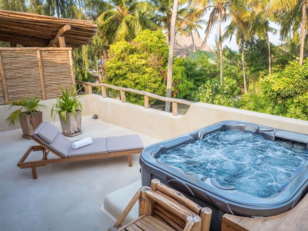 White Sand Villas Hot Tub