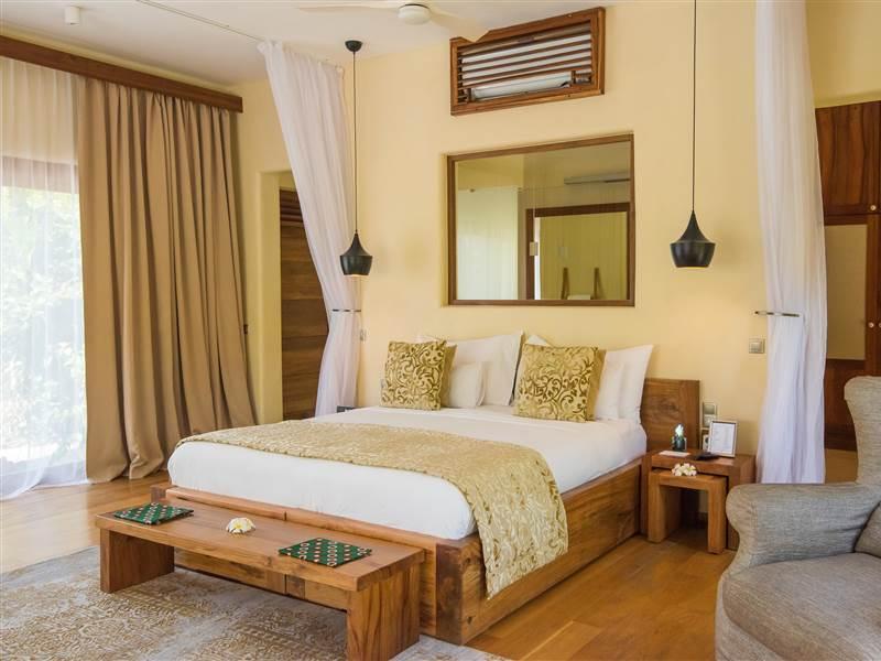 Villa  Luxury villa bedroom