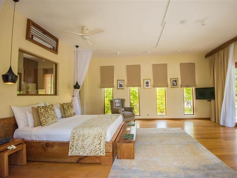 Villa  upper floor bedroom
