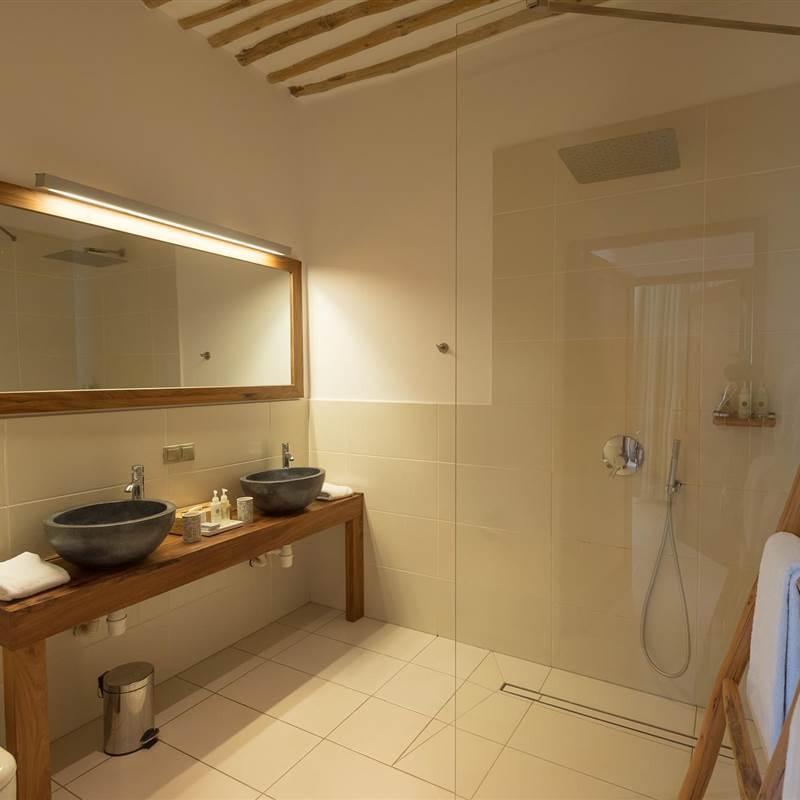Cinnamon Quadruple Room